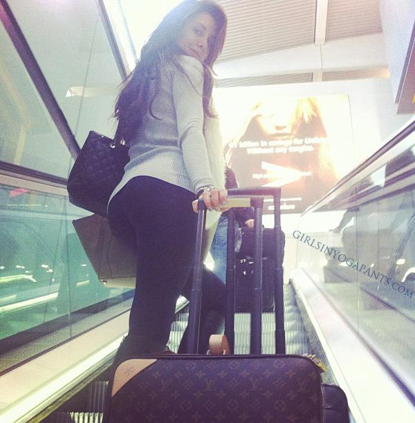 Is It Okay To Wear Yoga Pants On A Plane? (Updated: 14