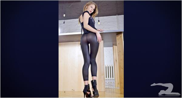 Yoga Pants For Girls Girls With Thigh Gaps in Yoga