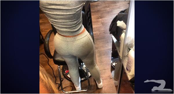 hairdresser-in-yoga-pants