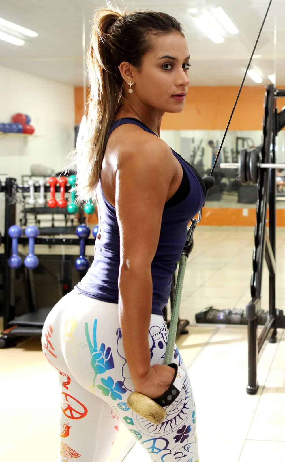 Warm Nude Girls With Big Booties Pictures