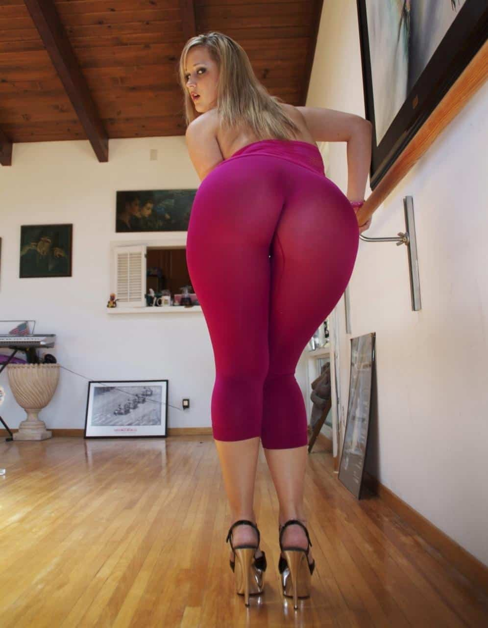 Blonde Big Ass Porno