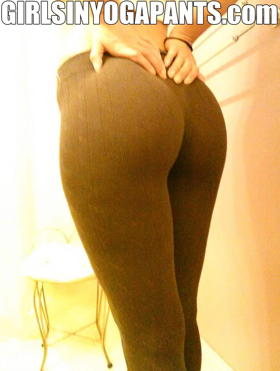 girlfriend-in-yoga-pants-5