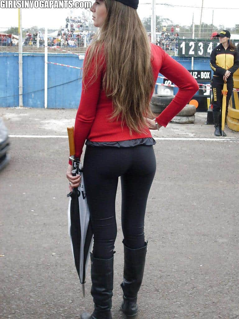 RACEWAY GIRLS HAVE INCREDIBLE ASSES - Girls In Yoga Pants