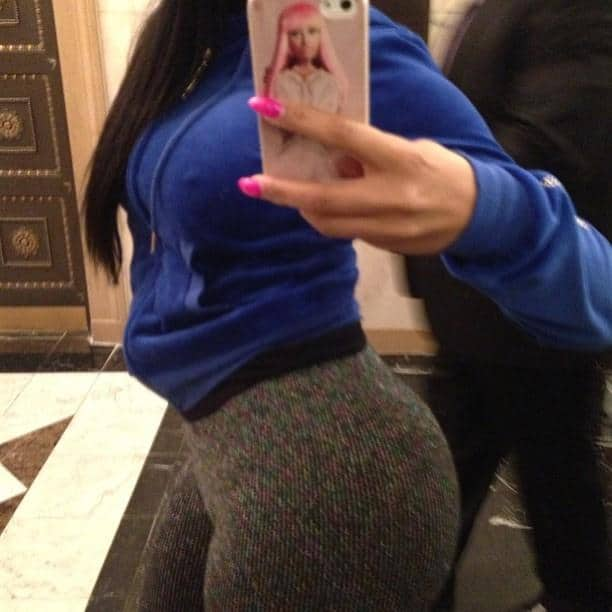 nicki minaj selfies 2