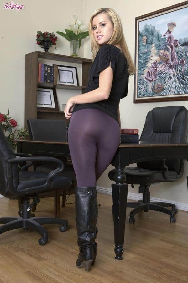 Jessie Rogers In Yoga Pants  Hot Girls In Yoga Pants  Best Yoga Pants-1413