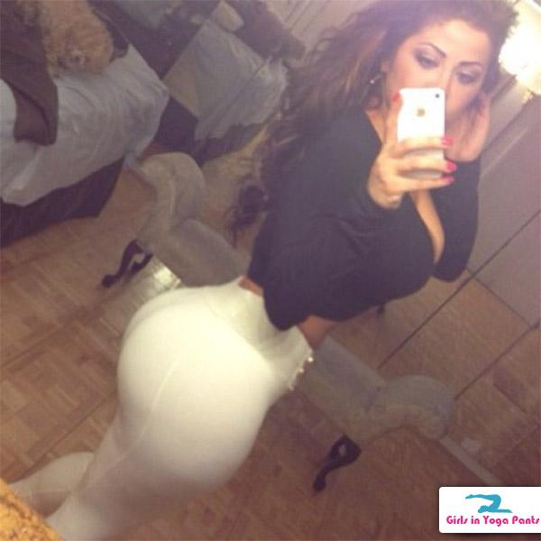 big-booty-in-white-yp