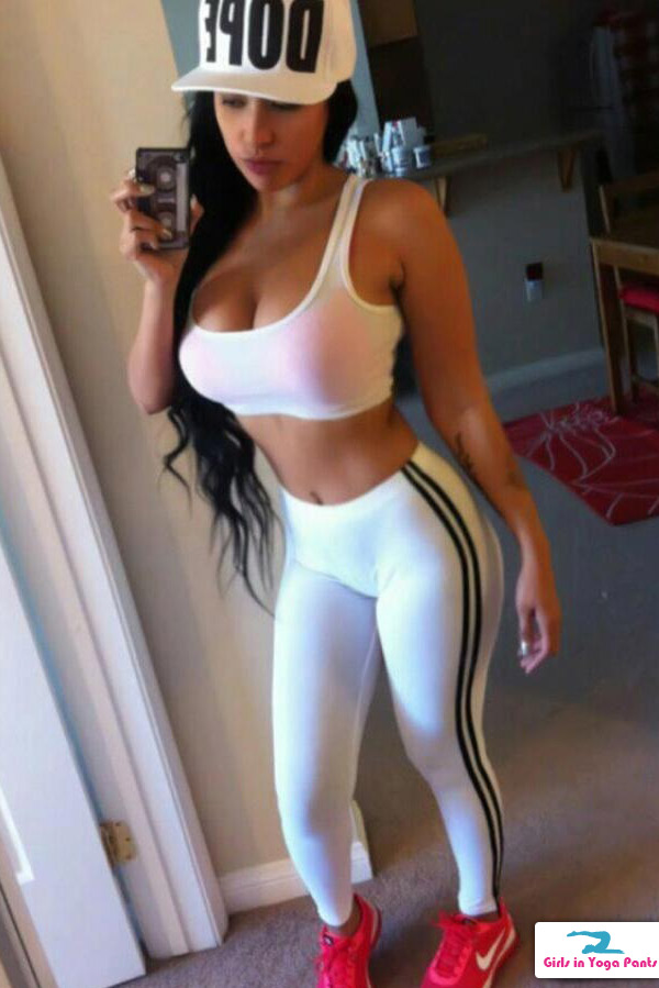 yoga-pants-and-a-sports-bra