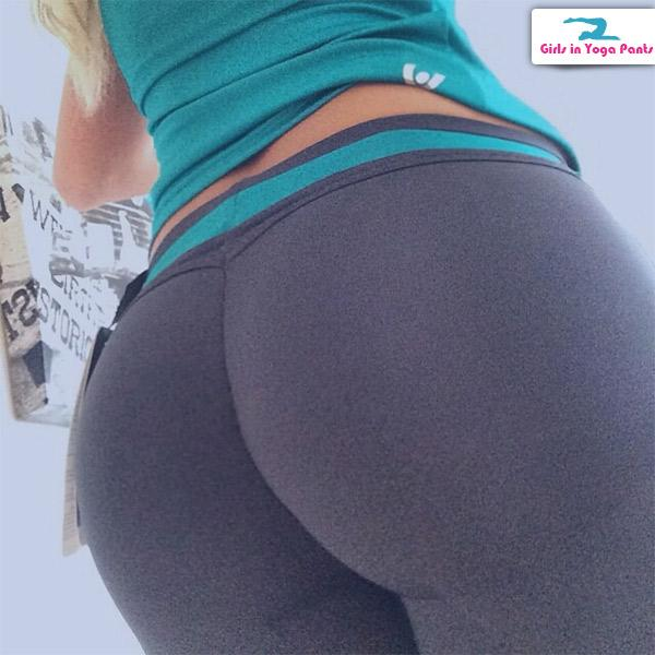 Girls try on yoga pants