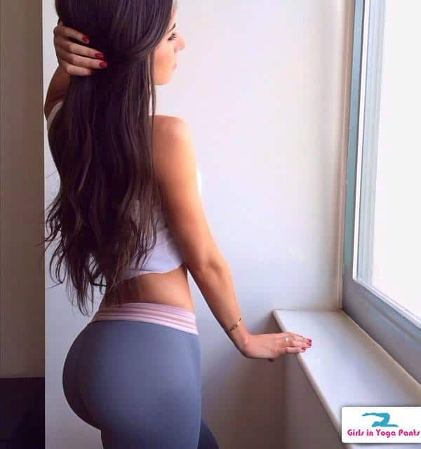 9 Girls In Yoga Pants With Great Booties In Yoga Pants