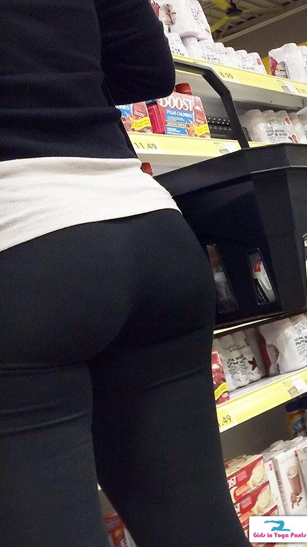 Three Creep Shots Of A Blonde Milf While Shes Grocery Shopping  Hot Girls In Yoga -7541