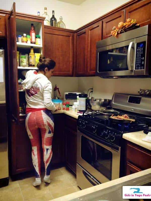 kitchen-yoga-pants