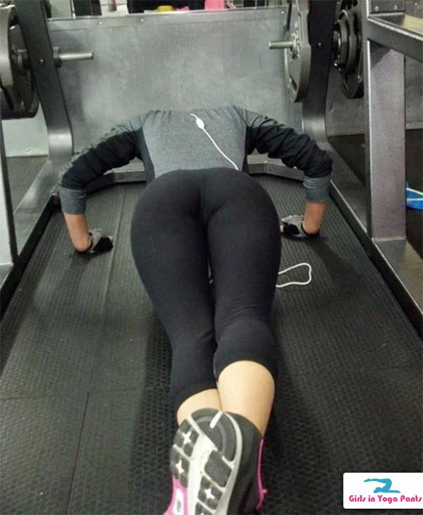 Quotes About Love Relationships: Fit Girls Who Love Wearing Yoga Pants (11 Pics) Yoga Pants