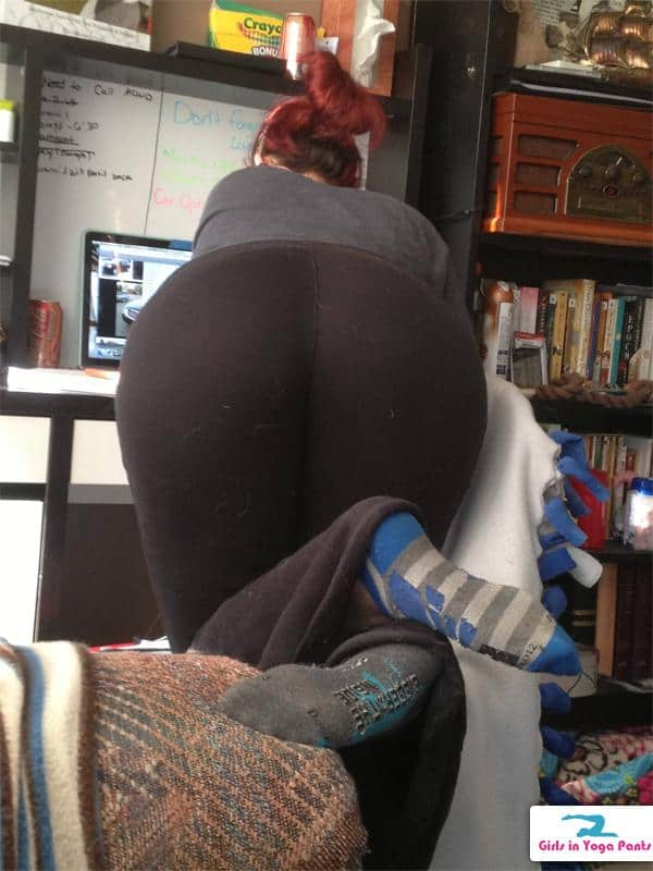 Useful Girls in yoga pants bent over ass