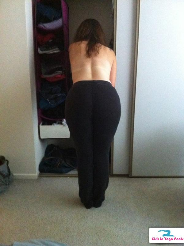babes in yoga pants that are topless