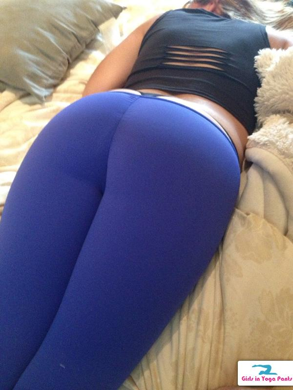 yoga pants hump