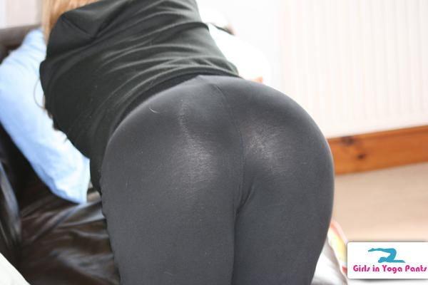 see-through-yoga-pants-girlfriend-2