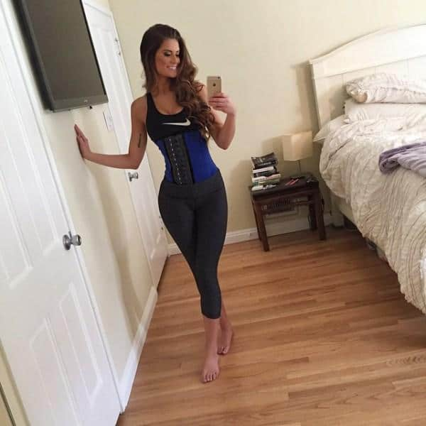 60 Photos: Hannah Stocking Is Amazing In Yoga Pants ...