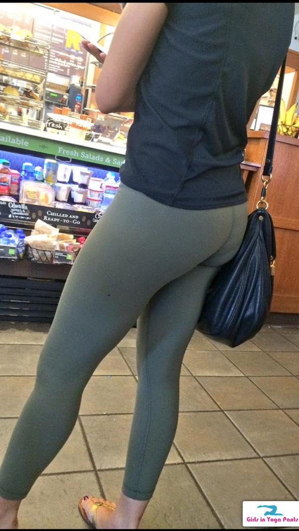 creep shot archives page 2 of 82 girls in yoga pants