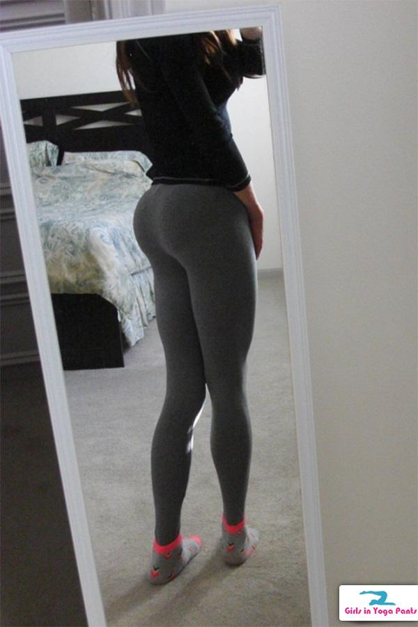 girls-in-yoga-pants-003
