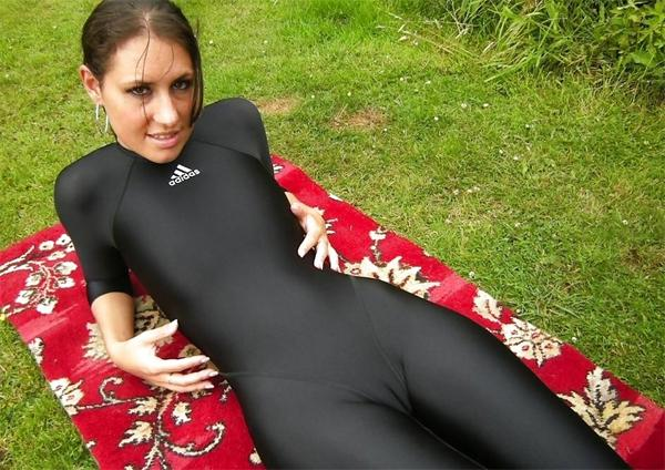 Girls in Yoga Pants Camel Toe (The Best 20 Pictures