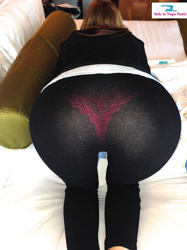 amateur-wife-in-yoga-pants-001