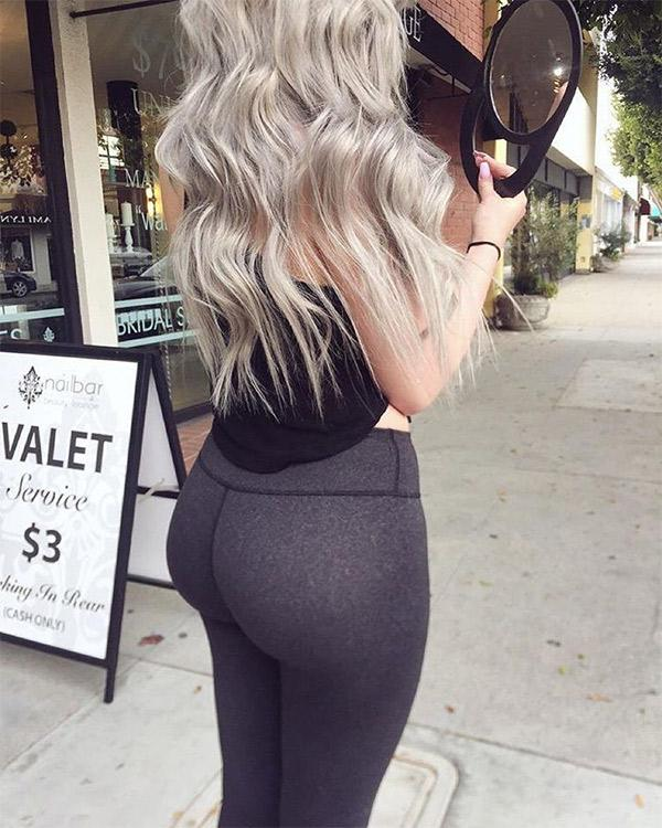 big-booty-on-the-sidewalk