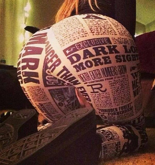 newspaper-yoga-pants