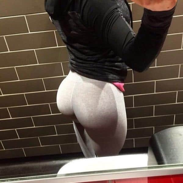 Girls in yoga pants with big butts-3135