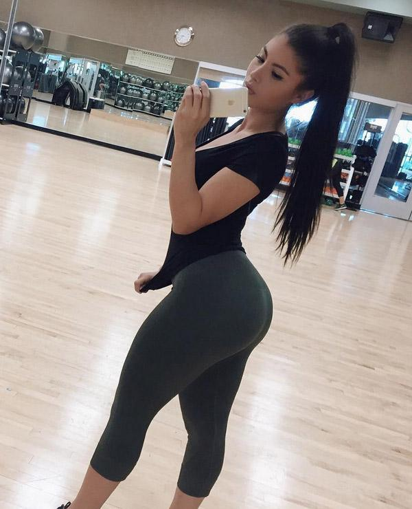 Texas Girl With A Great Ass In Yoga Pants (Updated: 17