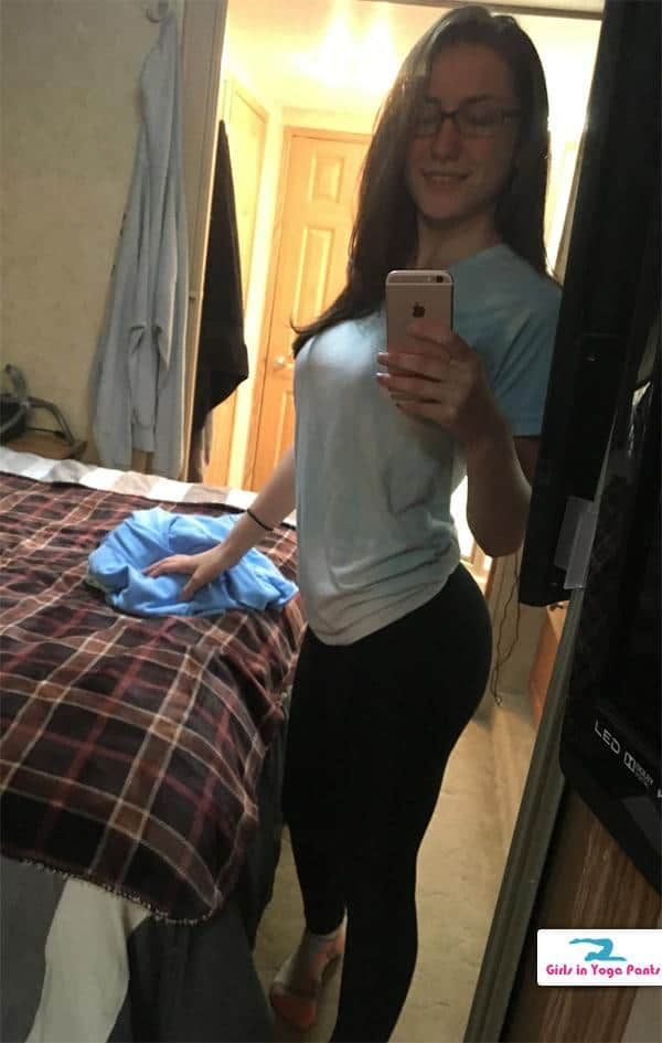 Can Girl with nice ass selfie god knows!