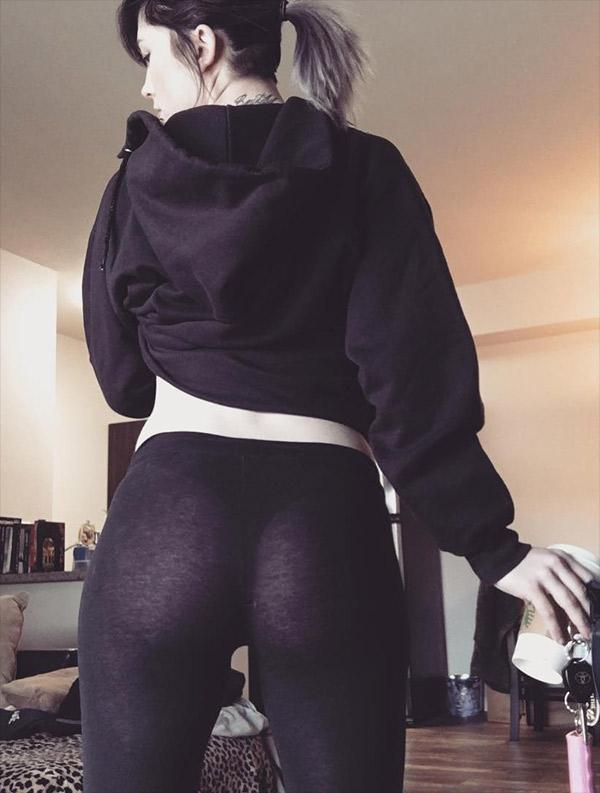 Creative Youll See Why The Yoga Pant Effect Is So Powerful, And Why Men Love Women In Yoga Pants Trust Us Youll Run Out And  Knows Shes Got Everyones Attention Whether Thats Through Being The Most Knowledgeable Person In The
