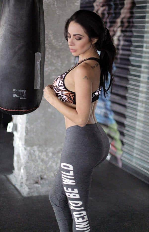 boxing-in-yoga-pants