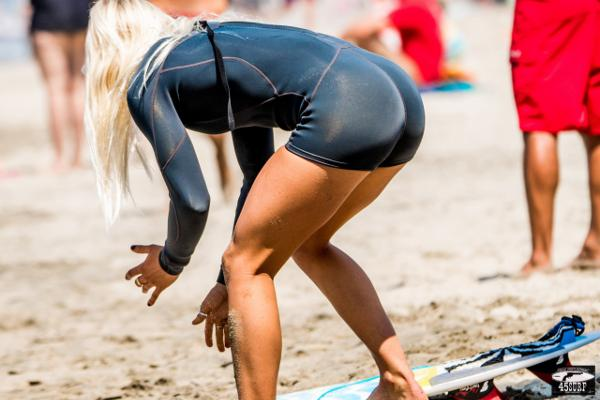 surfer-chicks-01