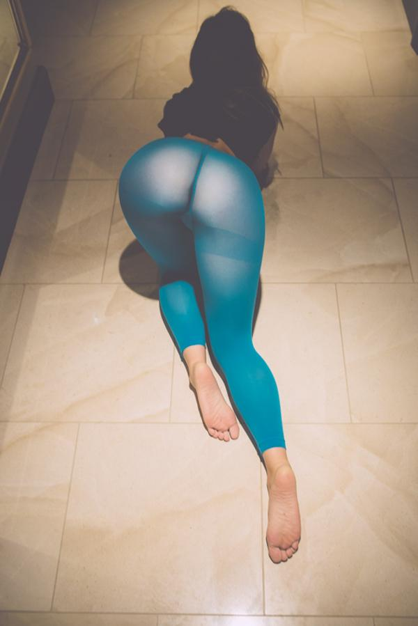 remy-lacroix-blue-tights