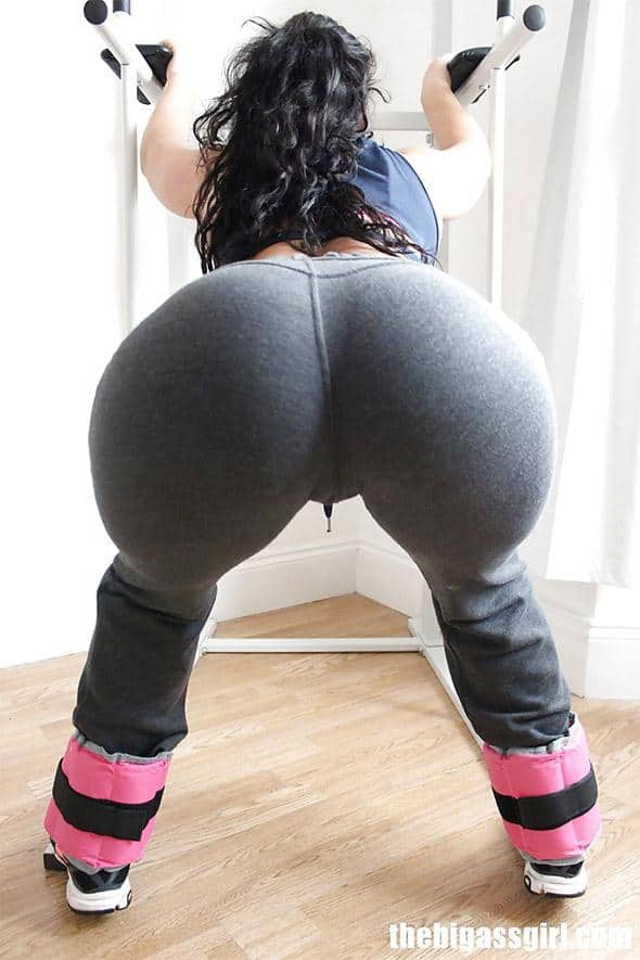 Amazing booty pushed to the limits by bbc 7