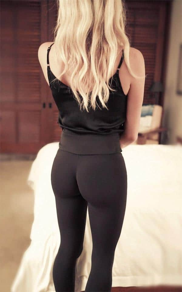 ebony in yoga pants