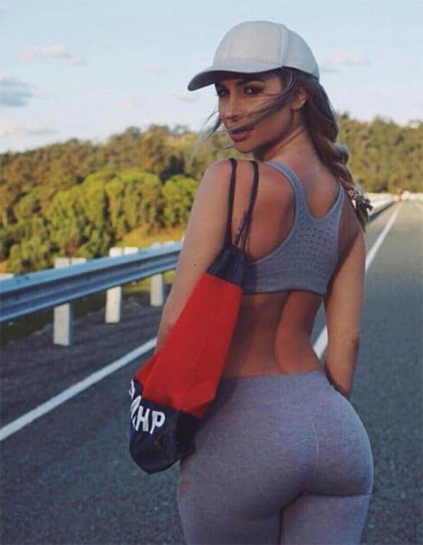 hitchhiking-in-grey-yoga-pants