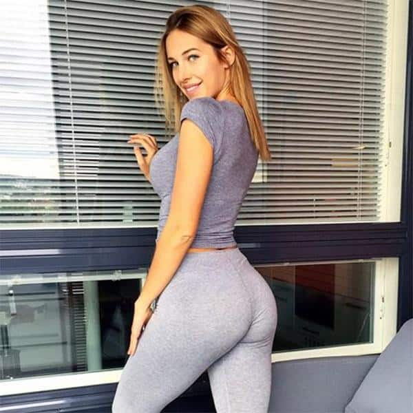 grey-yoga-pants-at-the-office