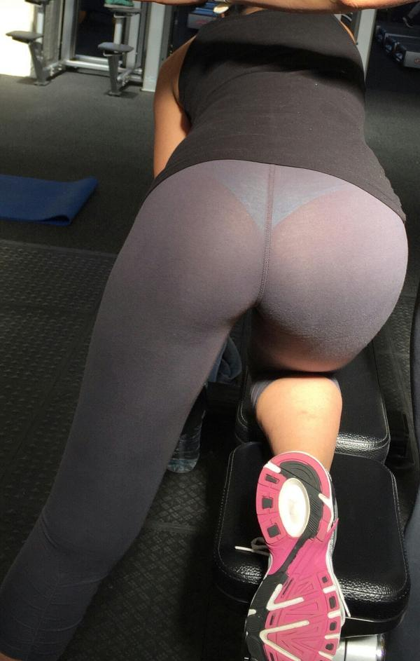 See Through Yoga Pants At The Gym | CLOUDY GIRL PICS