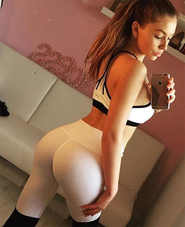 perfect-in-white-yoga-pants