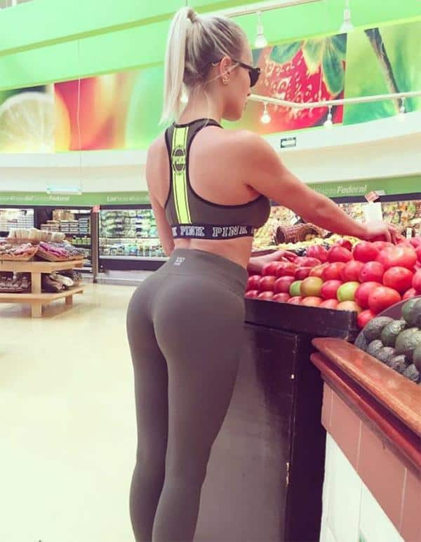 apple-bottoms-booty-in-swimsuits