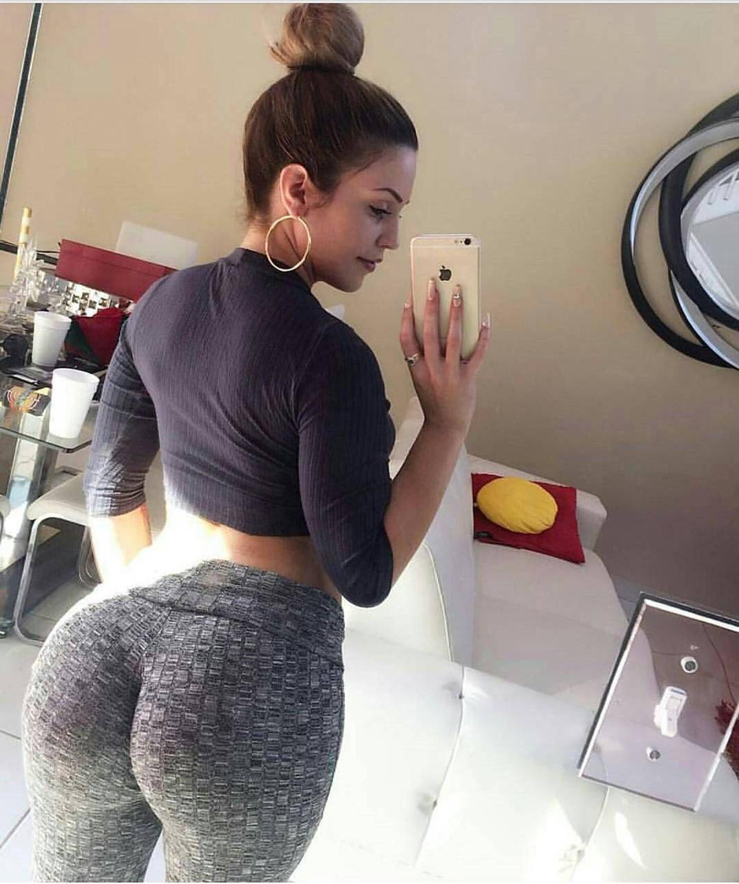 hot pussy girls in yoga pants
