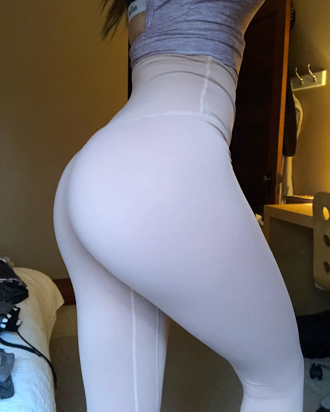 incredible all white yoga outfit beach