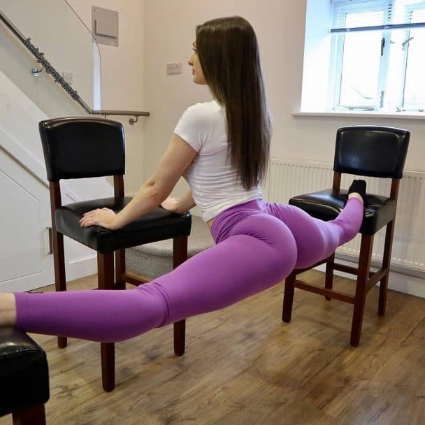 splits-purple-yoga-pants