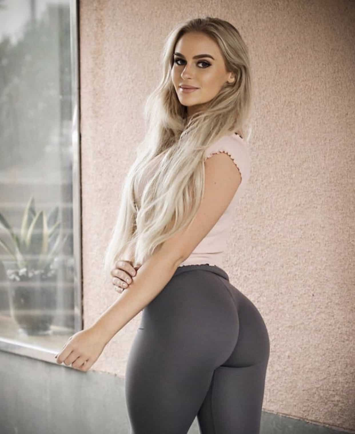 Anna Nystrom in Tight Yoga Pants