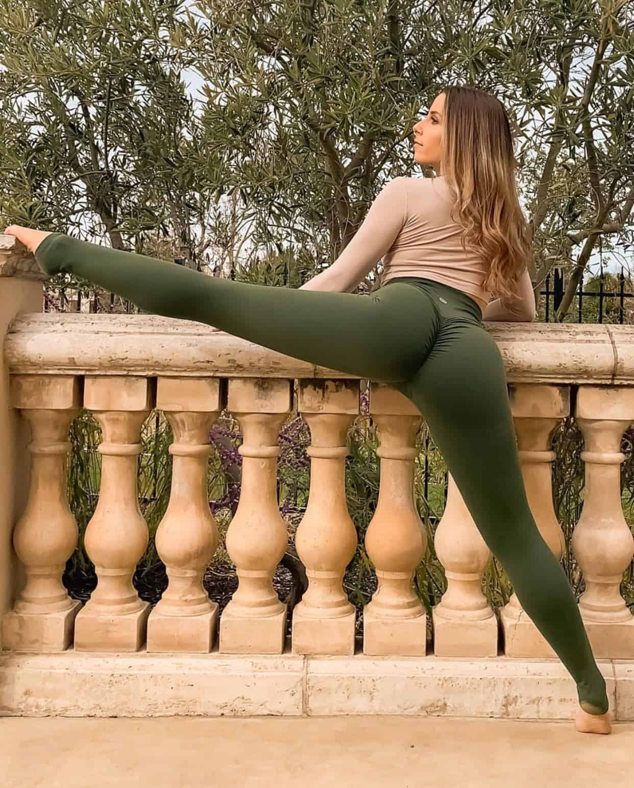 Sexy Yoga Pants and The Women Who Wear Them [83 HD PICS]